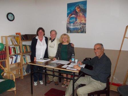 """Successo per il reading di poesie allo """"Smile"""" guidato dal prof. cattolicese Francesco Mulè"""