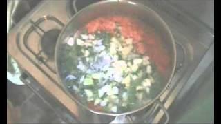 TRADIZIONE/ Video: minestra di tenerumi e zucchine
