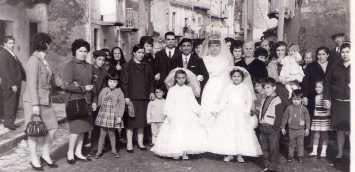 FOTO STORY. Corteo matrimoniale in via Agrigento negli anni 60