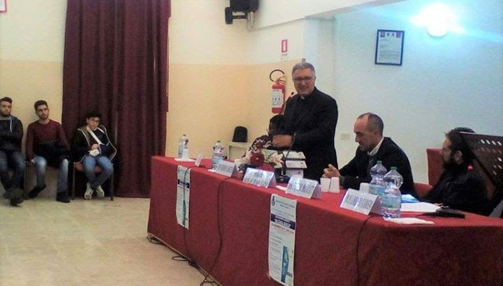 """Presentazione del libro """"Accoglienza"""" di don Mimmo Zambito"""