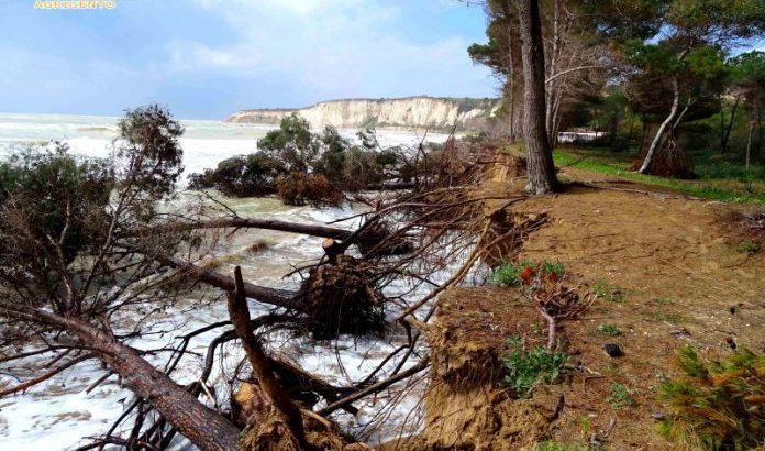 Il litorale di Eraclea Minoa diventa un disastro ambientale
