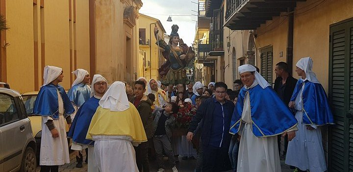 VIDEO| Incontro di Pasqua, San Michele in piazza Umberto