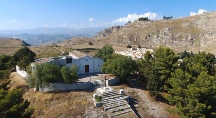 Vista aerea del Calvario e dell'eremo di San Calogero
