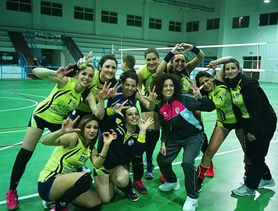 VOLLEY FEMMINILE. TRIS VINCENTE DELL'ASD TRAINING AND RELAX. LIQUIDATA NEW STAR GROTTE