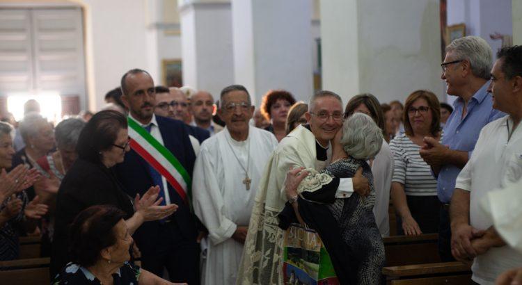FOTO E VIDEO. Cattolica in festa per l'ingresso del nuovo parroco