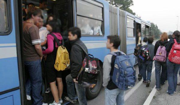 Il sindaco comunica la disponibilità degli abbonamenti  per gli studenti pendolari