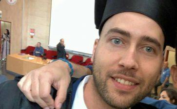 Auguri a Davide Ferraro neolaureato in  Infermieristica con 110 e lode