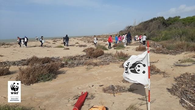 Alla foce del fiume Platani, il WWF di GenerAzioneMare nella Settimana Europea per la Riduzione dei Rifiuti